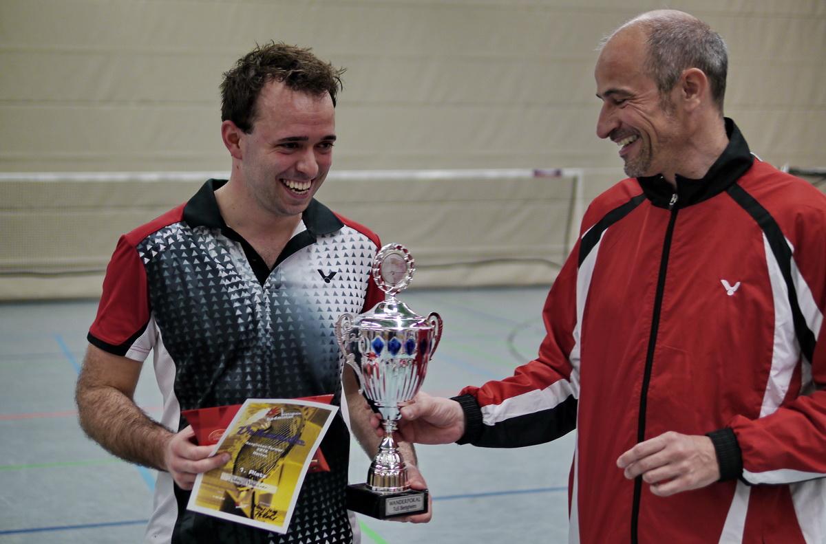 Julien bei der Pokalübergabe
