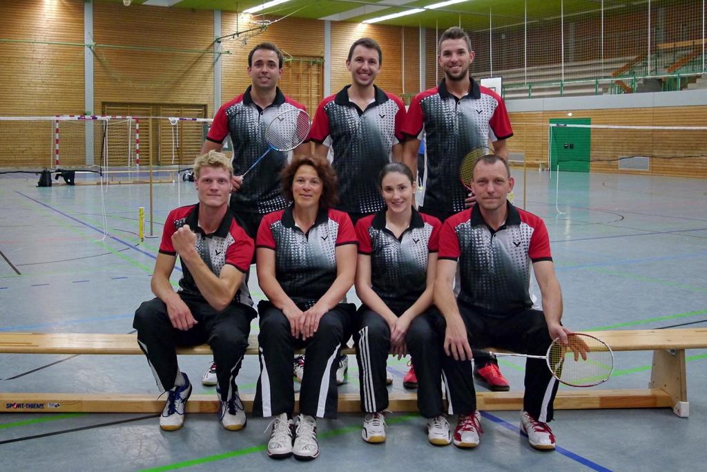 TuS 1 hinten: Julien, Dominik, Phiipp vorne: Paren, Claudia, Romina, Jörg